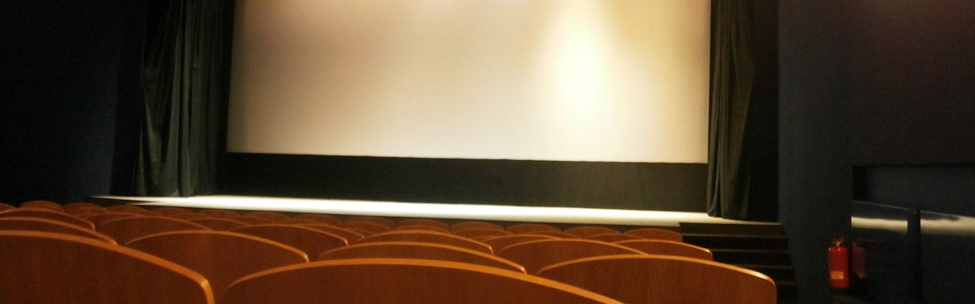 Akustické úpravy jeviště – kino Svratka