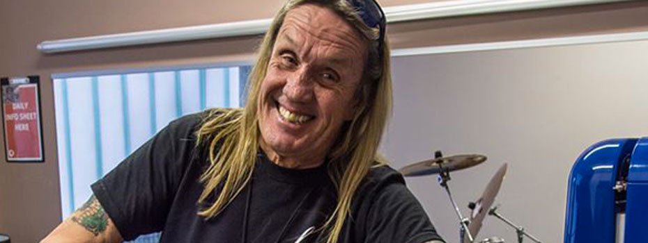 Nicko McBrain z Iron Maiden a jeho nový reprobox od HK Audio