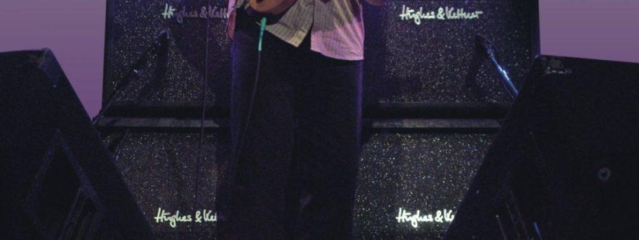 Kytarová legenda Allan Holdsworth hraje na Hughes & Kettner Switchblade.