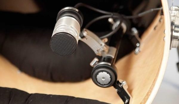 Mikrofon AUDIX D6 je součástí limitované edice bicích souprav DW drums