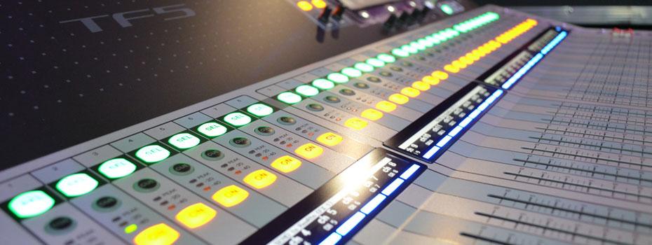 První kus Yamaha TF5 v České republice dorazil do Musicdata