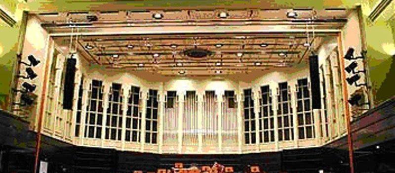 Von Karajan by byl nadšen - GEO S v Koncertní hale Bremen