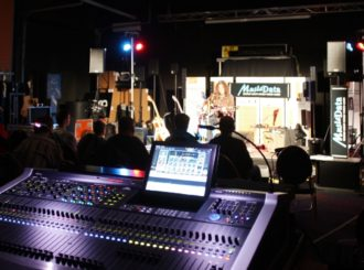 Obrázek č.1 article GWYN ASHTON v showroomu MusicData