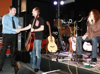 Obrázek č.4 article GWYN ASHTON v showroomu MusicData