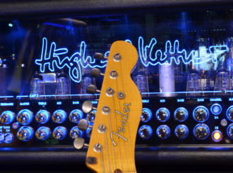Fender Custom Shop v musicdata