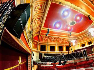 NEXO GEO M6 kompaktní line array pro 1 500 diváků Victoria Theatre