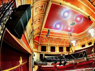 Obrázek č.1 article NEXO GEO M6 kompaktní line array pro 1 500 diváků Victoria Theatre