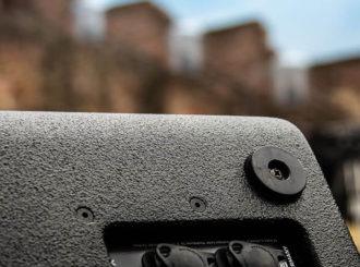 Obrázek č.4 article Nový Line-Array systém HK Audio COSMO zabezpečil precizní zvuk pro Show Angela Kellyho na hradu Ancient v Neuleiningenu