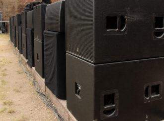 Obrázek č.3 article Nový Line-Array systém HK Audio COSMO zabezpečil precizní zvuk pro Show Angela Kellyho na hradu Ancient v Neuleiningenu