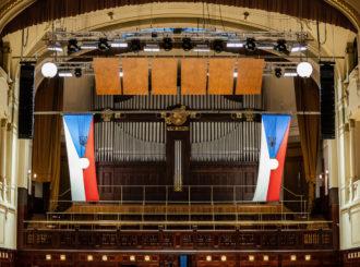 Obrázek č.4 reference Nexo STM Line Array ve Smetanově síni Obecního domu